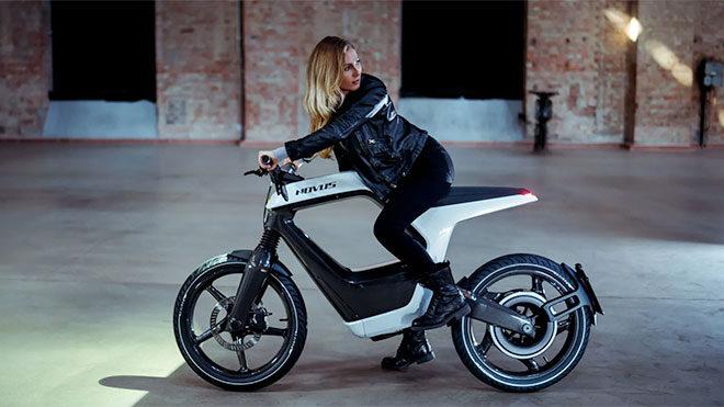 NOVUS imzalı elektrikli motosiklet