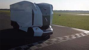 Einride, sürücüsüz kamyon ile Top Gear pistine çıktı
