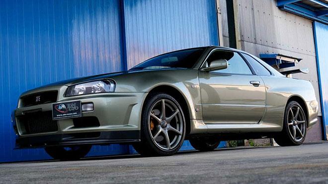 Nissan Skyline GT-R R34 V-Spec II Nur Millennium Jade