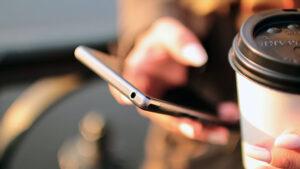 Türkiye'de akıllı telefon fiyatları neden çok yüksek? özel iletişim vergisi mobil iletişim