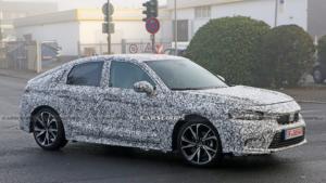 Yeni Honda Civic Hatchback testleri sırasında yakalandı