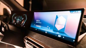 BMW beklenen iDrive Sistemi'ni tanıttı