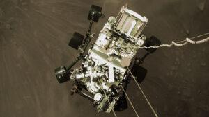 NASA Perseverance uzay aracını Mars'a inişinden yeni fotoğraflar