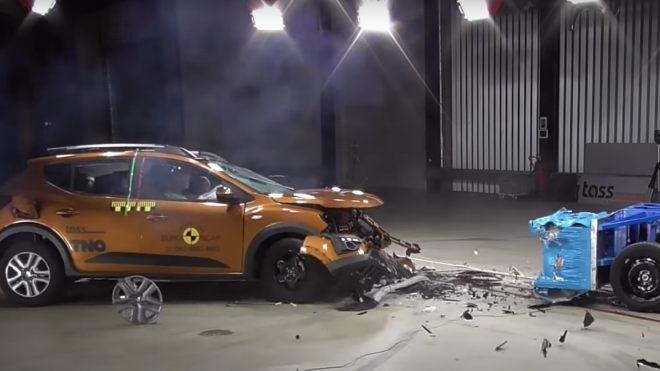 Dacia Sandero Stepway çarpışma testi