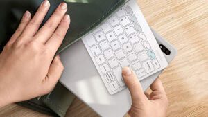 SamsungSamsung Smart Keyboard Trio 500