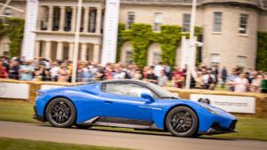 Gövde gösterisi; Maserati MC20 otomobil sevenler ile buluştu