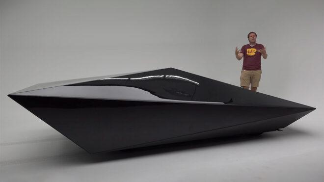 Tesla Cybertruck Lo-Res